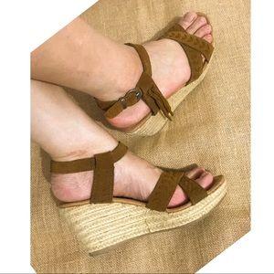 Minnetonka Naomi LeatherUpper Espadrille Sandals 7